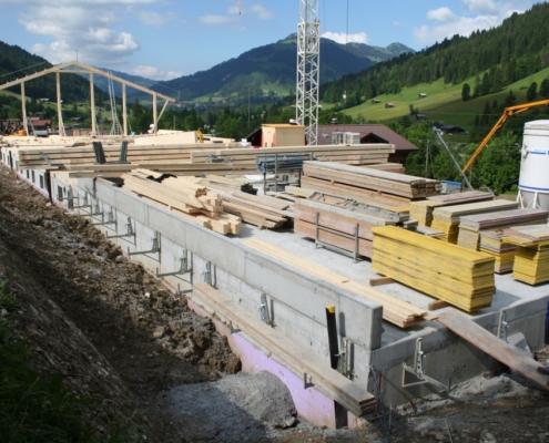 Scheunenneubau Grund - Charpenterie - Bach & Perreten